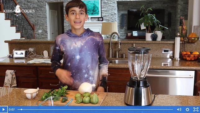 video how to make fresh green salsa
